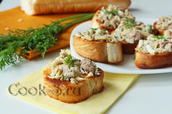 Бутерброды с печенью трески и яйцом