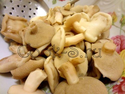 Маринованные маслята с луком рецепт с
