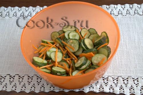 огурцы с морковкой по-корейски на зиму