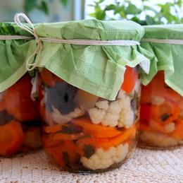 http://cook-s.ru/images/stories/konservirovanie/ovozhnoi_salat_na_zimu/ovozhnoi_salat_na_zimu_g.jpg