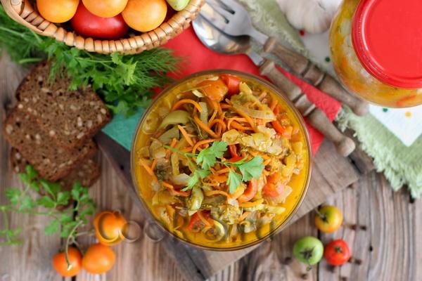 рецепт салата из зеленых помидоров на зиму без стерилизации