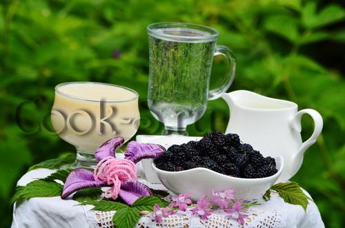 ликер из шелковицы - ингредиенты