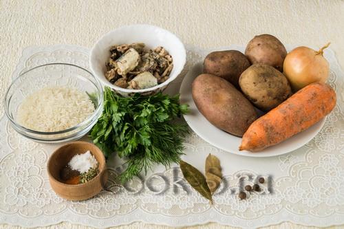 суп с рыбными консервами и рисом - ингредиенты