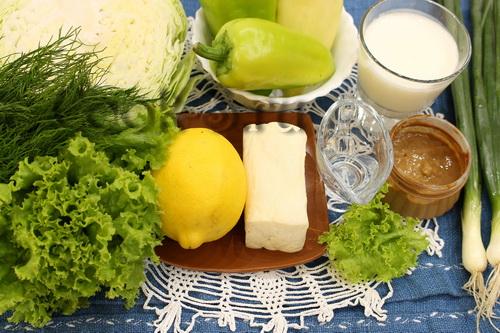 салат с брынзой и овощами - ингредиенты