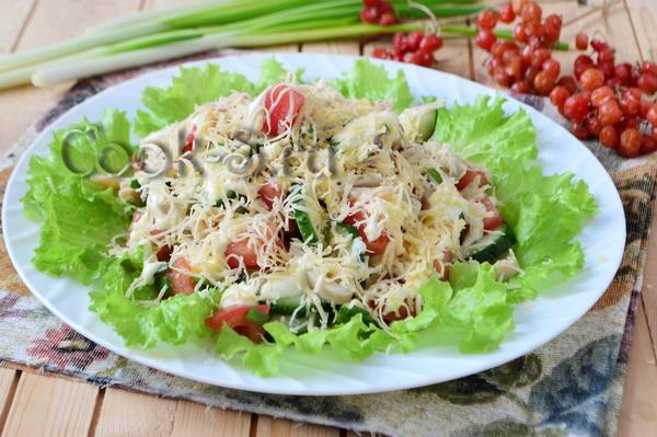 салаты из консервированных кальмаров рецепты с фото