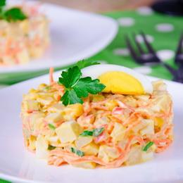 салат из кукурузы и крабовых палочек и корейской моркови