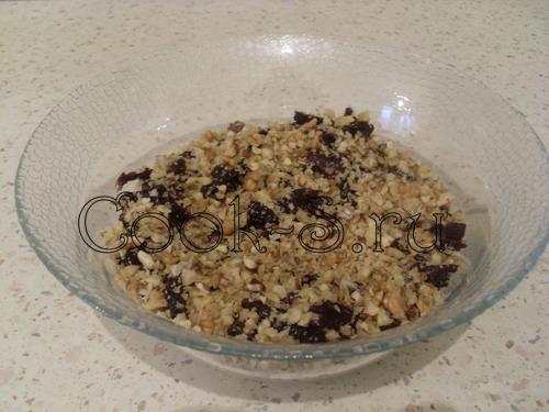 салат нежность - 3 слой чернослив и орехи