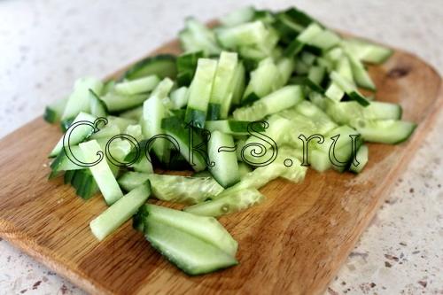 Салат из копченой курицы с огурцом