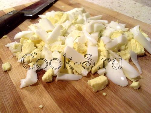 салат с ветчиной и сыром - яйца