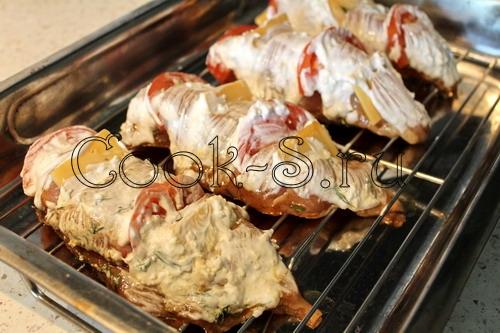 куриное филе с сыром и помидорами