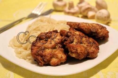 куриные оладьи с грибами