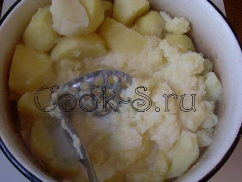 картофельное пюре - размять