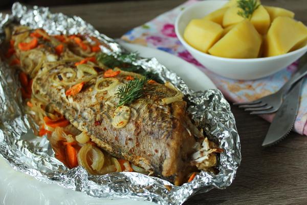 Треска с овощами запеченная в фольге в духовке рецепт пошагово