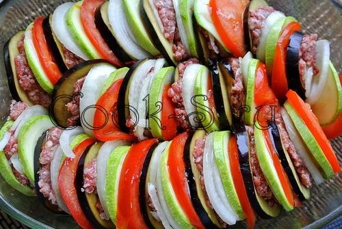 баклажаны с овощами и фаршем