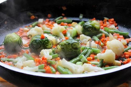 как приготовить рис с овощами на сковороде на гарнир