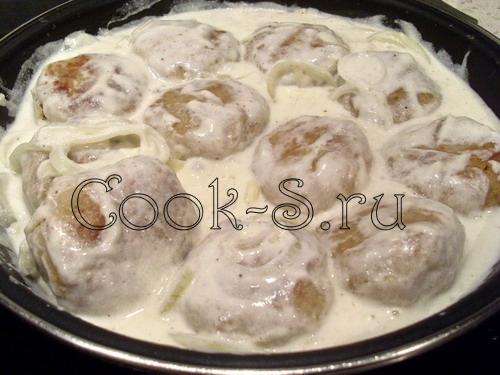 ежики из фарша с рисом рецепт в сметанном соусе на сковороде