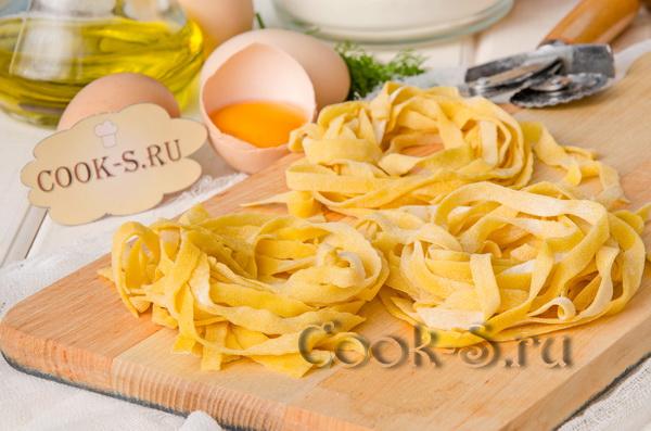 Как приготовить яичную лапшу с курицей