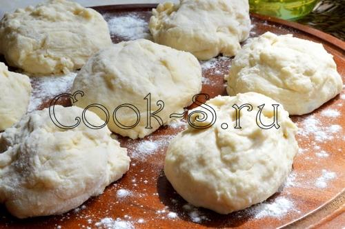 http://cook-s.ru/images/stories/vtorie_bluda/raznoe/zharenye_pirozhki_s_kapustoi/zharenye_pirozhki_s_kapustoi_10.jpg