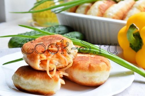 http://cook-s.ru/images/stories/vtorie_bluda/raznoe/zharenye_pirozhki_s_kapustoi/zharenye_pirozhki_s_kapustoi_15.jpg