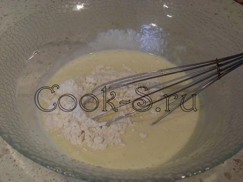 клубничный пирог - сметанная заливка