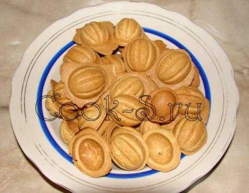 печенье орешки со сгущенкой - остудить