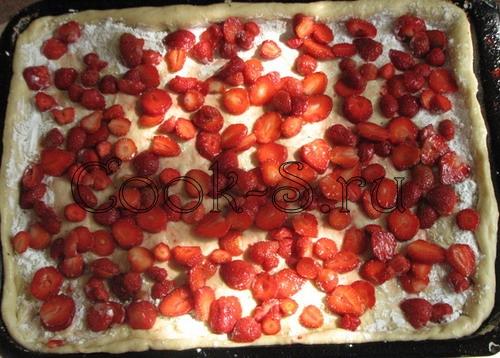 пирог с клубникой - начинка