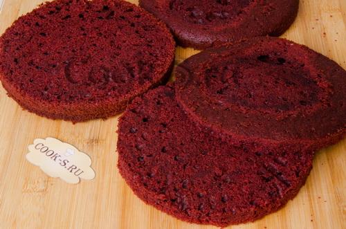 красные коржи для торта красный бархат
