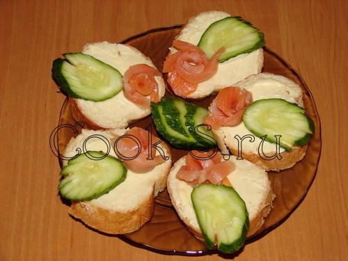 Как сделать бутерброды с красной рыбой