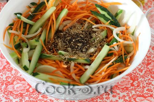 огурцы по-корейски с морковью быстрого приготовления