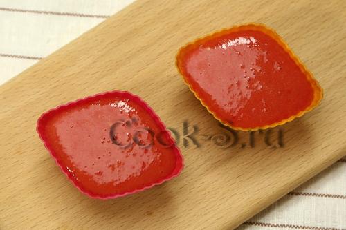 замороженное на зиму томатное пюре в формочках