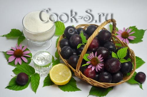 Манные гренки с малиновым джемом – кулинарный рецепт