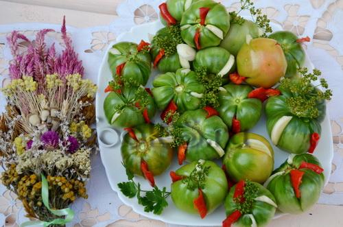 зеленые помидоры фаршированные
