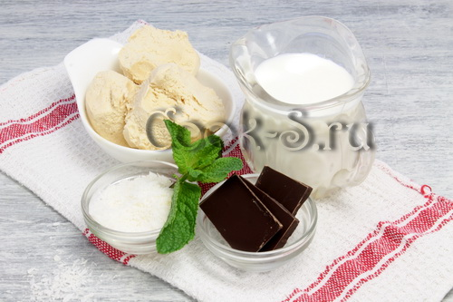 """Коктейль из кокосового молока """"Клубничка"""" – кулинарный рецепт"""