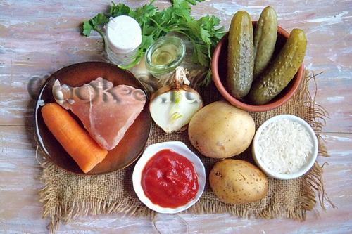 Куриные рулетики с рисом и грибами – кулинарный рецепт