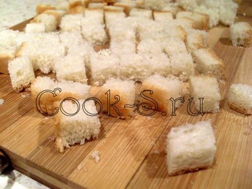 Салат из сухариков с зелёным горошком и сыром - рецепт пошаговый с фото