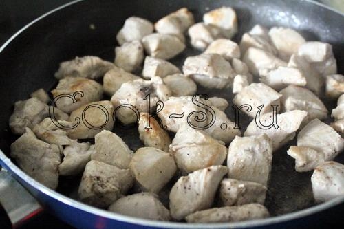 Куриное филе в томатно-яичном соусе – кулинарный рецепт