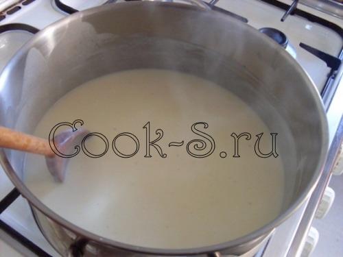 Мороженое из голубики под белым соусом – кулинарный рецепт