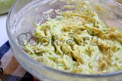 Кабачковые оладьи и молодой картофель, пошаговый рецепт с фото