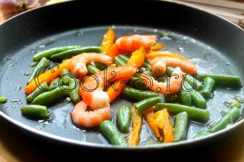 Гречневая лапша с мясным соусом – кулинарный рецепт