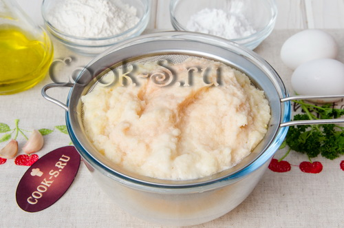 Картофельные драники в вафельнице – кулинарный рецепт