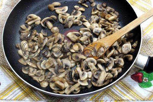 Постный плов с лисичками и перцем – кулинарный рецепт