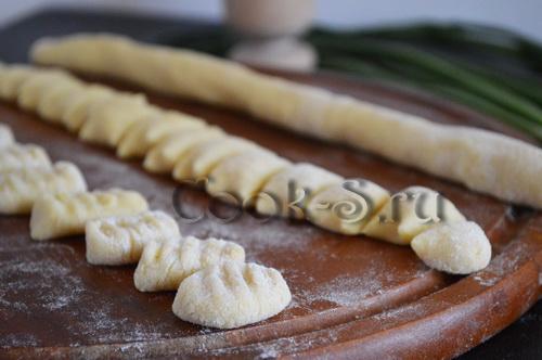 Зеленые ньокки с шалфейным маслом, пошаговый рецепт с фото