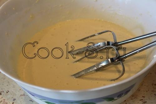 Штрейзелевый творожный пирог с красной смородиной – кулинарный рецепт