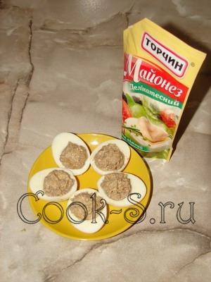 """Фаршированные яйца """"Закуска"""" – кулинарный рецепт"""