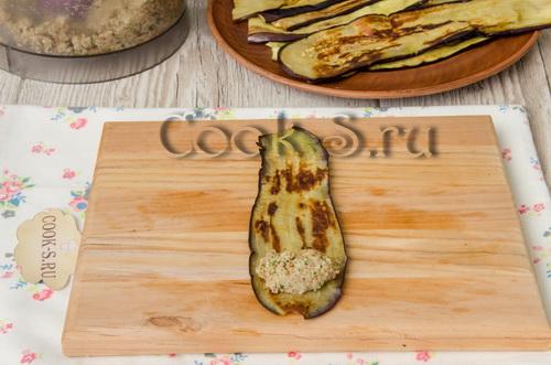 Рулетики из баклажанов с орехами и чесноком – кулинарный рецепт